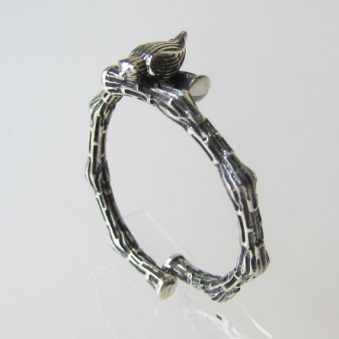 Sterling zilveren (925) geoxideerde ring, verstelbaar, vogeltje op tak, per stuk