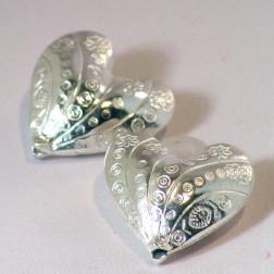 Zilverkleurige kraal, bewerkt hart, 30 mm, per stuk